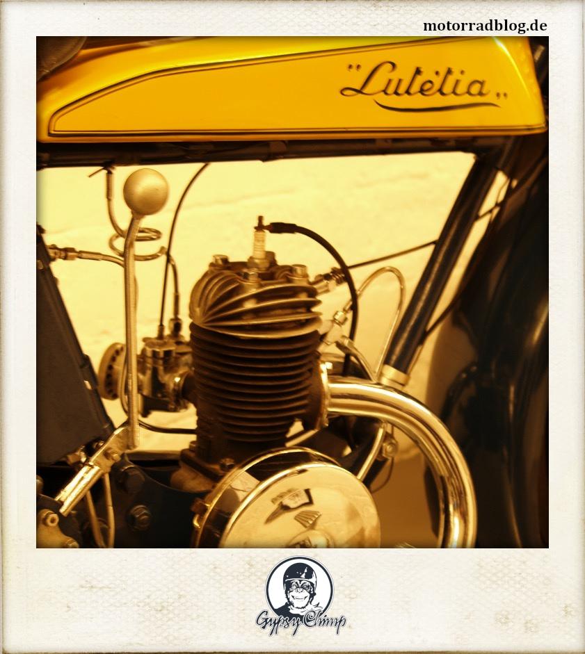 """[Hier ist eigentlich ein Bild: Motor einer """"Lutetia"""".]"""