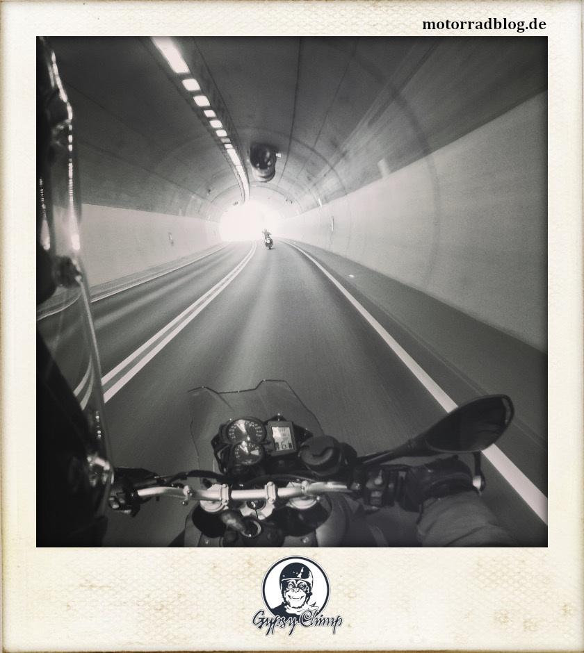 [Bild: Tunnel | motorradblog.de]
